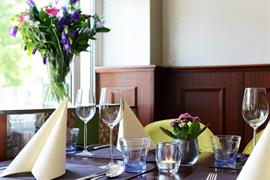 92735_003_Restaurant