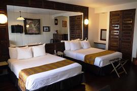70102_005_Guestroom