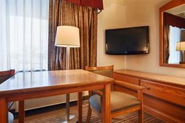 32036_004_Guestroom