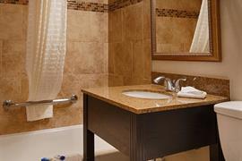 32036_005_Guestroom