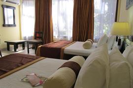 70606_004_Guestroom