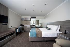 85451_002_Guestroom
