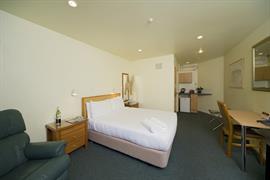 85451_003_Guestroom