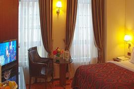 78023_003_Guestroom