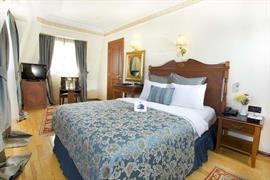 78023_004_Guestroom
