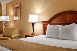 47089_006_Guestroom