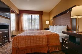 05487_004_Guestroom
