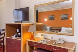 70092_007_Guestroom