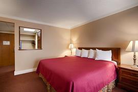04085_006_Guestroom