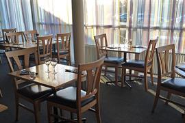 88222_006_Restaurant