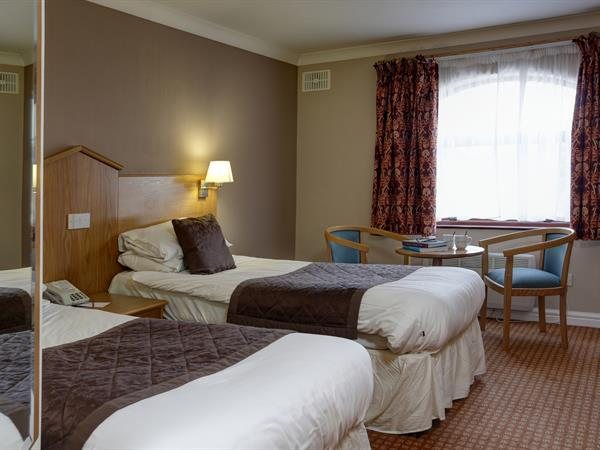 everglades-park-hotel-bedrooms-16-83898