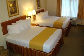 44533_002_Guestroom