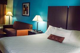 01066_005_Guestroom