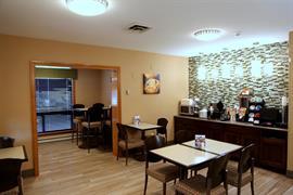 36052_004_Restaurant