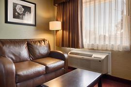 44438_006_Guestroom