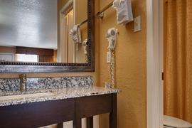 44438_007_Guestroom