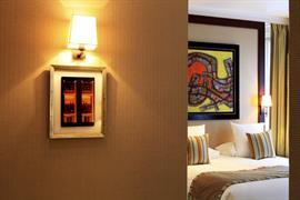 93203_005_Guestroom