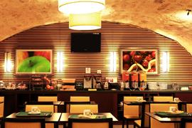 93203_006_Restaurant