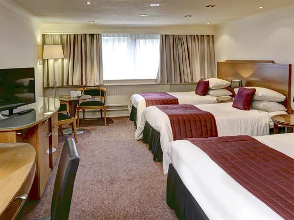 forest-hills-hotel-bedrooms-75-83935