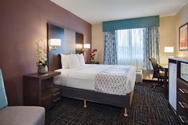 10355_006_Guestroom