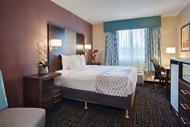 10355_007_Guestroom