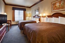 44517_005_Guestroom