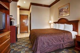 44517_007_Guestroom