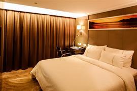 78709_004_Guestroom
