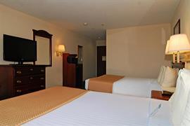 44515_006_Guestroom