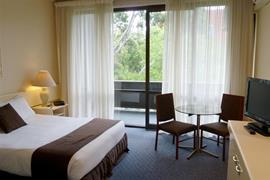 97152_002_Guestroom