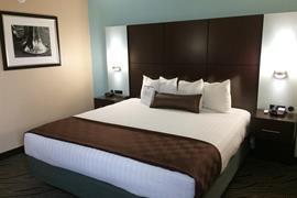43162_002_Guestroom