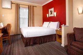 garden-court-hotel-bedrooms-16-83991
