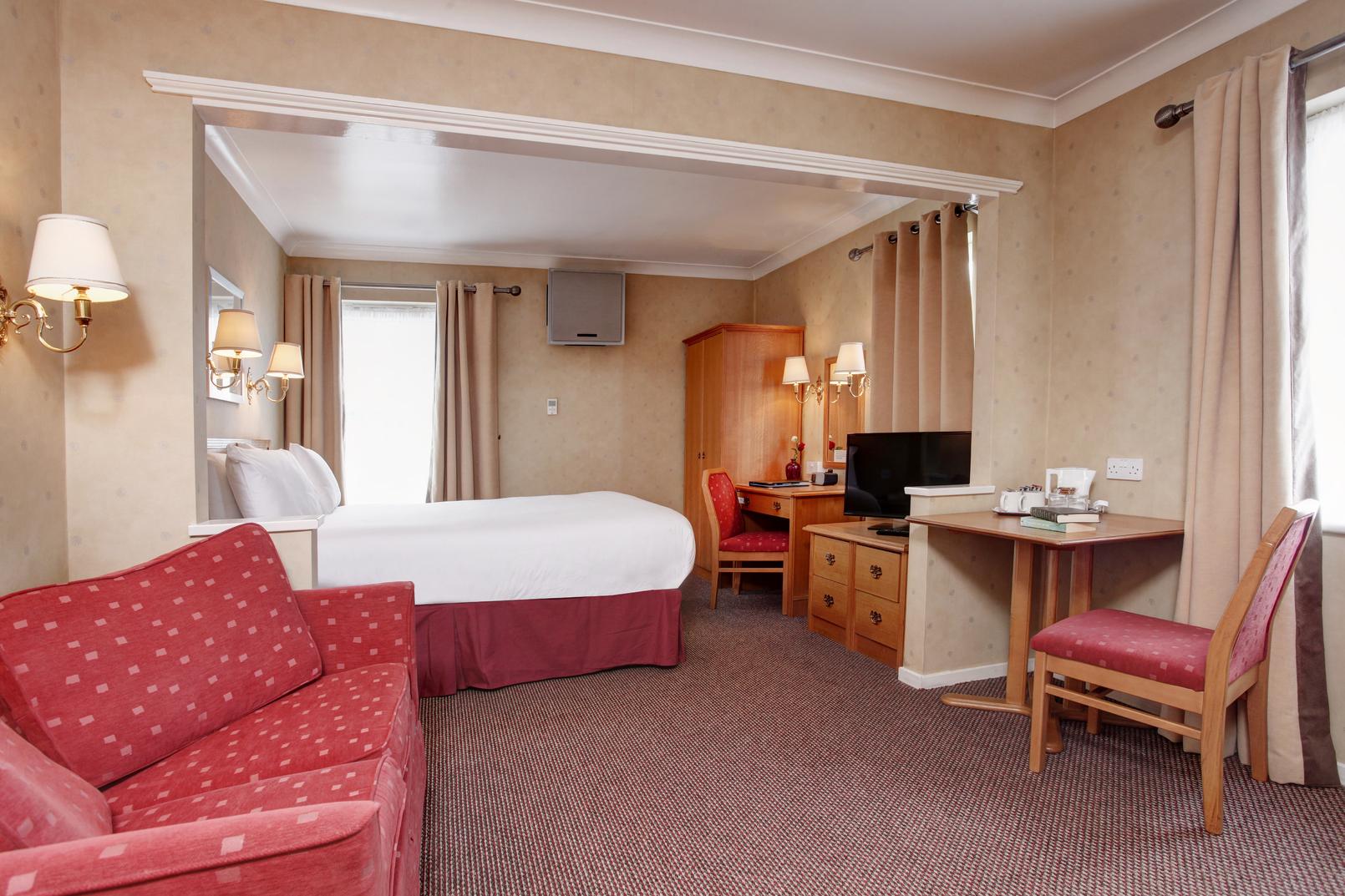 Garden court hotel bedrooms 18 83991