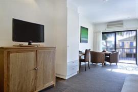 90466_003_Guestroom