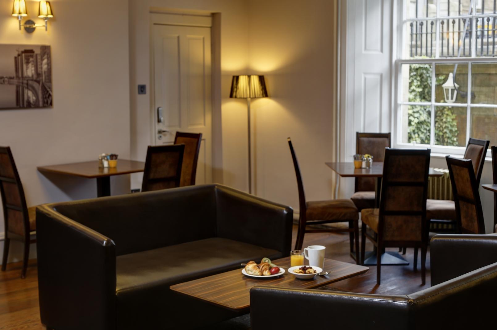 ... Glasgow City Hotel Dining 16 83525 ... Part 77