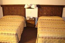 70160_005_Guestroom