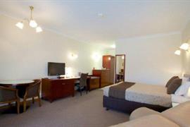 90372_004_Guestroom
