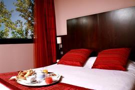 93566_005_Guestroom