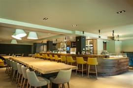 93566_007_Restaurant