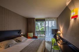 93764_002_Guestroom