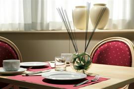 98254_002_Restaurant