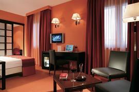 98254_006_Guestroom