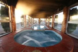 90740_002_Pool