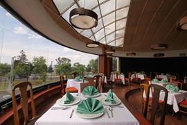 70255_003_Restaurant