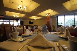 70255_006_Restaurant