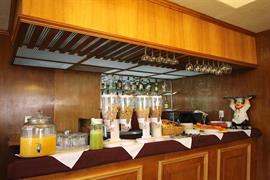 70255_007_Restaurant