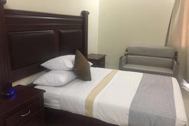 70177_003_Guestroom