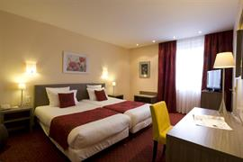 93037_003_Guestroom