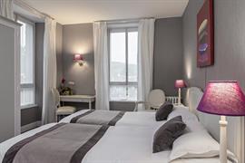 93013_003_Guestroom