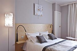 93013_006_Guestroom